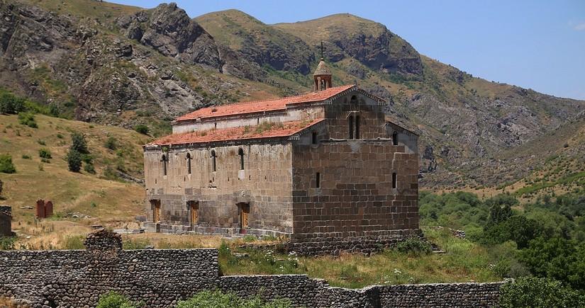 Глава общины: Древний албанский храм Агоглан не имеет никакого отношения к армянам