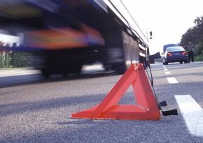 В Баку столкнулись грузовые автомобили, есть погибший
