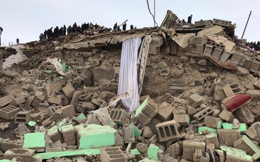 Death toll in Iran earthquake tops 100