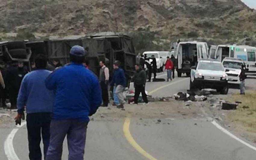 Три человека погибли и 38 пострадали в ДТП с автобусом в Аргентине
