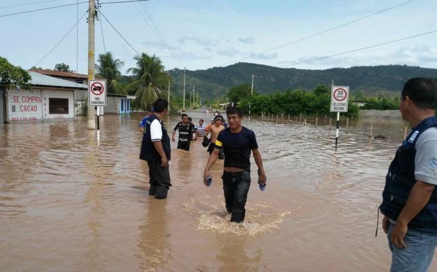 Peruda 51 nəfər leysan yağışların qurbanı olub - VİDEO