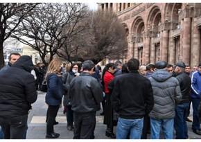 В Армении родители солдат требуют вывести их детей из Карабаха
