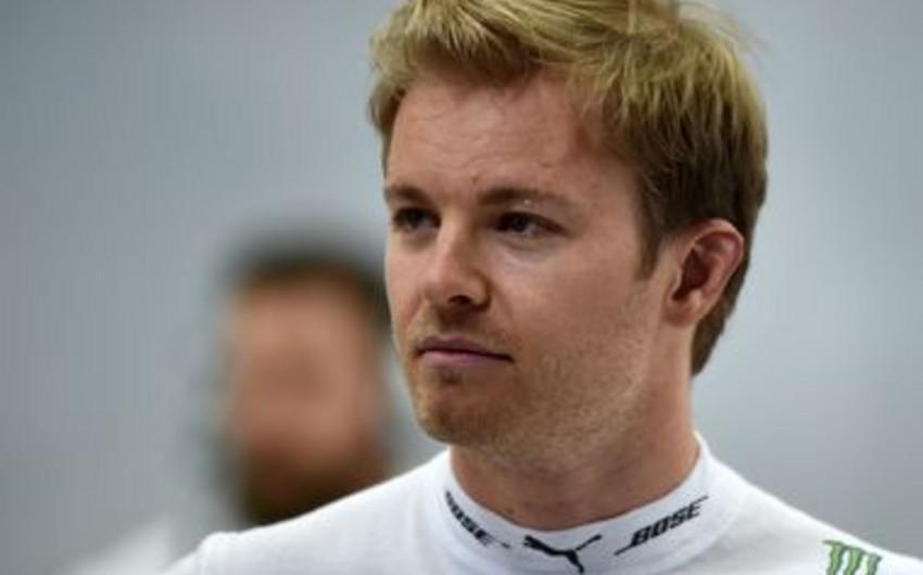 Formula 1 pilotu Monakoda boğulan uşağı xilas edib