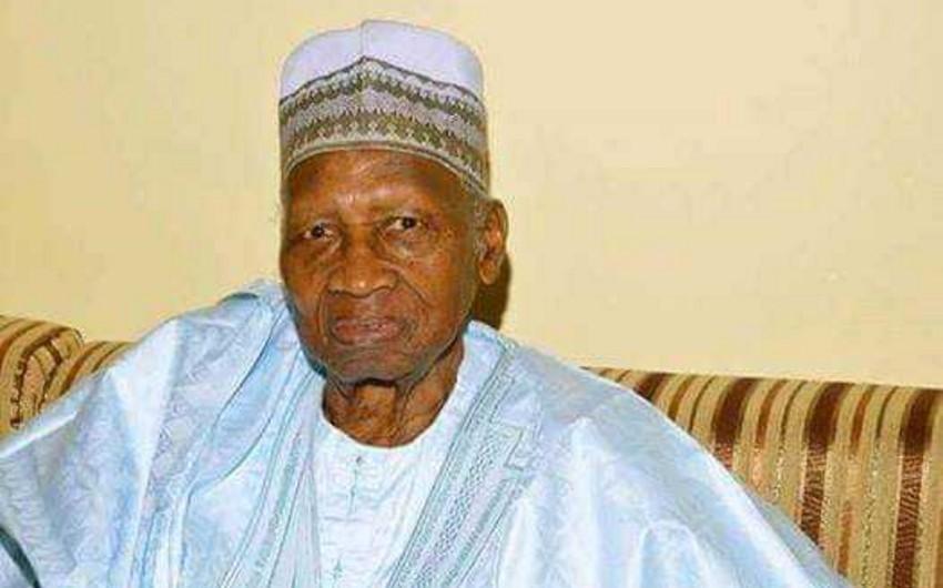 Qambiyanın birinci prezidenti vəfat edib