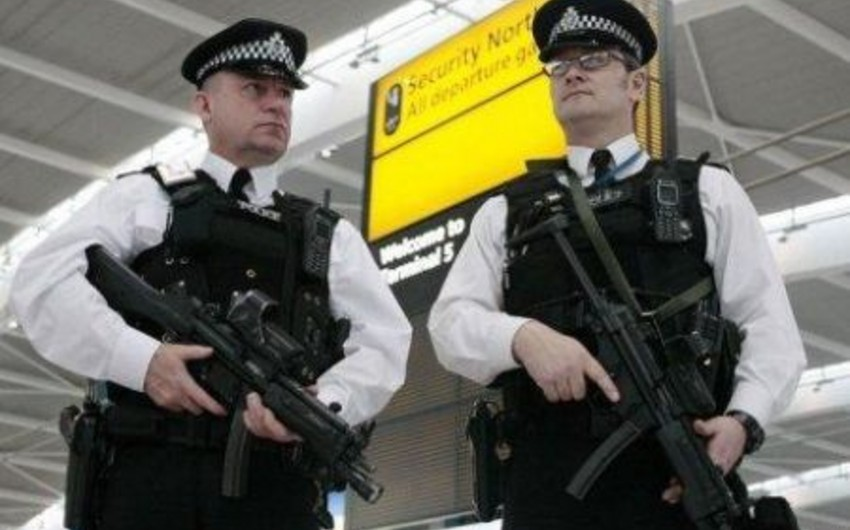 Five people arrested in Britain on suspicion of terrorism offences