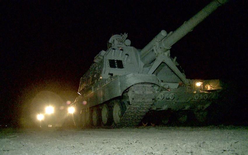 Azərbaycan Ordusunun təlimlərində qoşunlar gecə vaxtı tapşırıqları icra ediblər - VİDEO