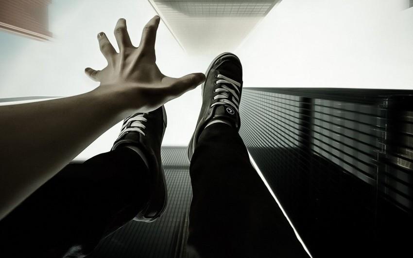 Biləsuvarda gənc qadın intihar edib