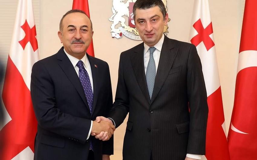 Gürcüstanın baş naziri Türkiyənin XİN başçısı ilə BTQ-nı müzakirə edib
