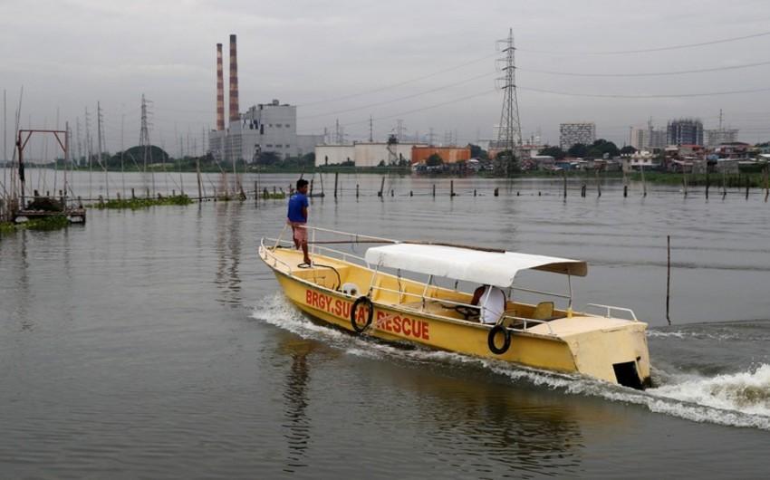 Manqhut fırtınası Filippin sahillərinə çatıb