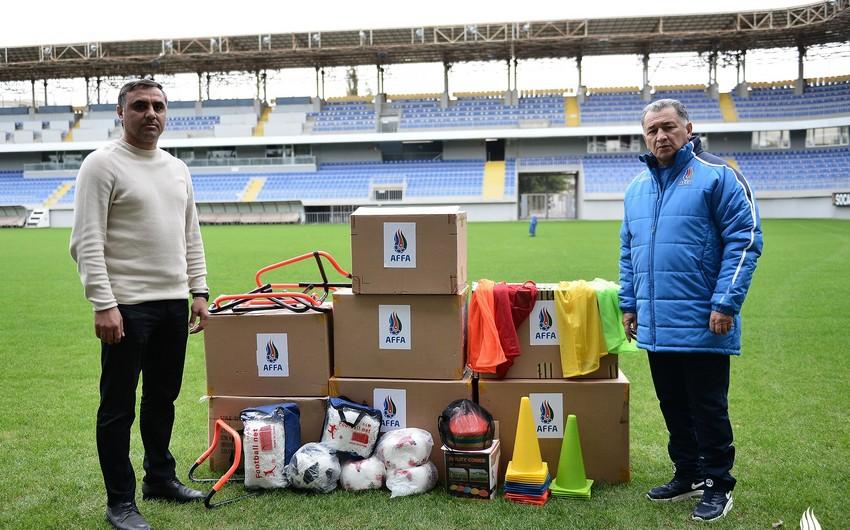 Cənub Regional Futbol Federasiyası idman ləvazimatları ilə təmin olunub