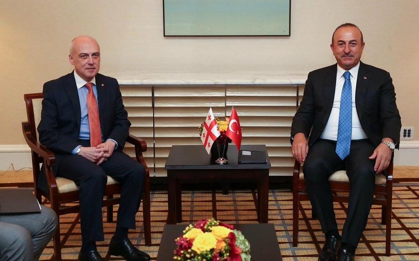 Мевлют Чавушоглу и Давид Залкалиани обсудили вопросы безопасности на Южном Кавказе