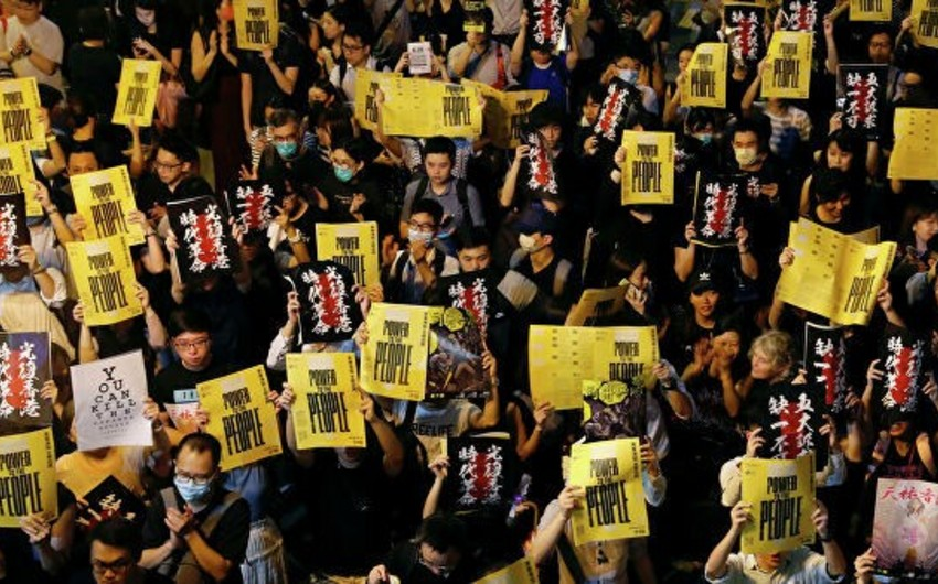 Media: hundreds of anti-government protesters gather in one of Hong Kong's districts