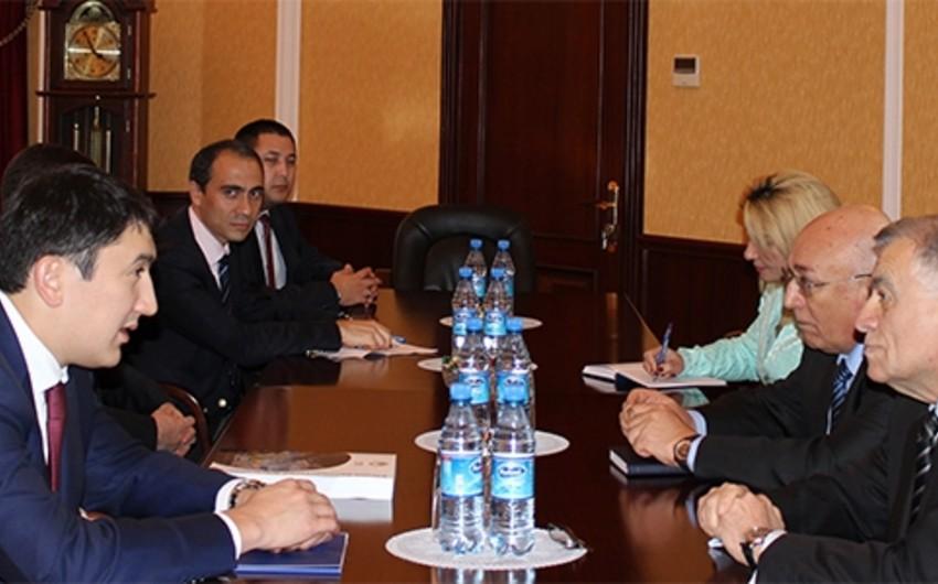 Qazaxıstanın energetika nazirinin müavini Azərbaycanın energetika naziri ilə görüşüb