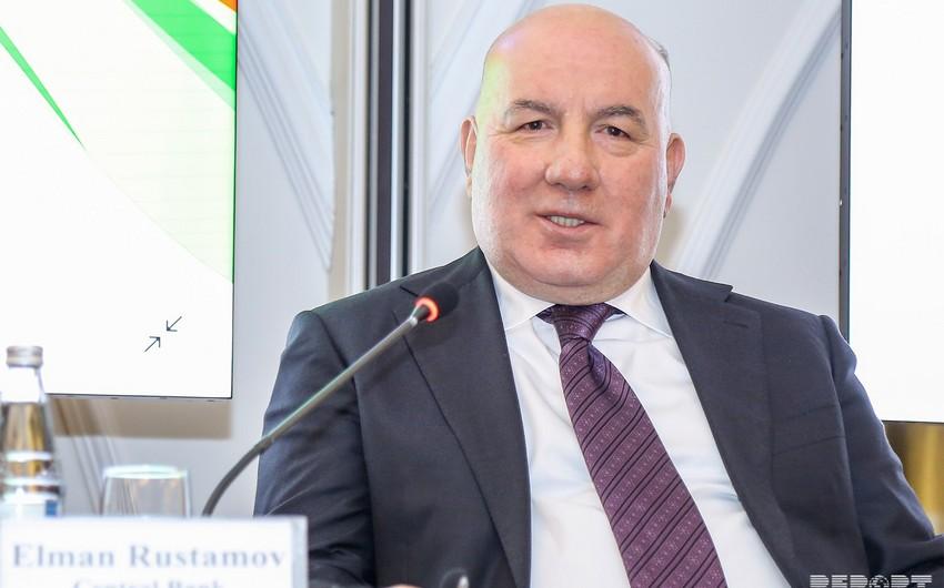 """Elman Rüstəmov: """"Azərbaycan Mərkəzi Bankından çox şey gözləyirlər"""""""