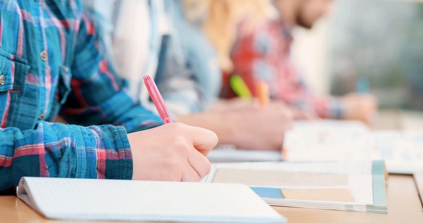 DİM bu gün növbəti tam orta təhsil səviyyəsi üzrə buraxılış imtahanları keçirir