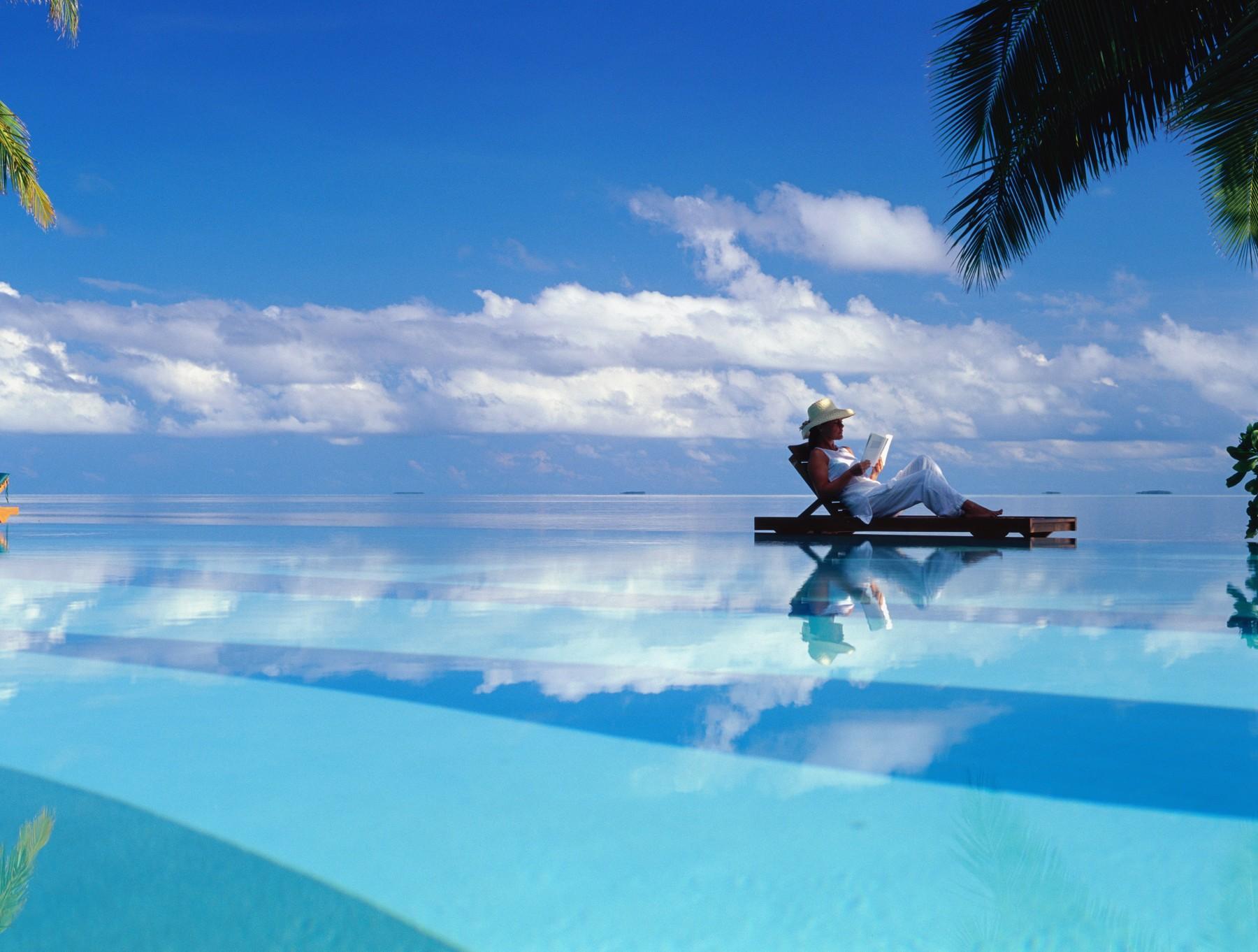 Анталья уже принимает туристов, Мальдивы начнут принимать иностранных туристов на следующей неделе