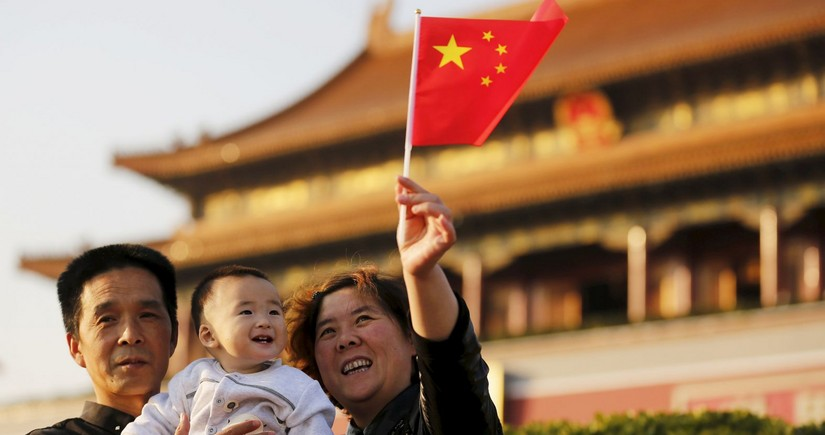 China considers lifting all childbirth restrictions by 2025