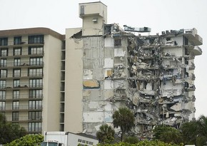 В США возросло число жертв при обрушении дома