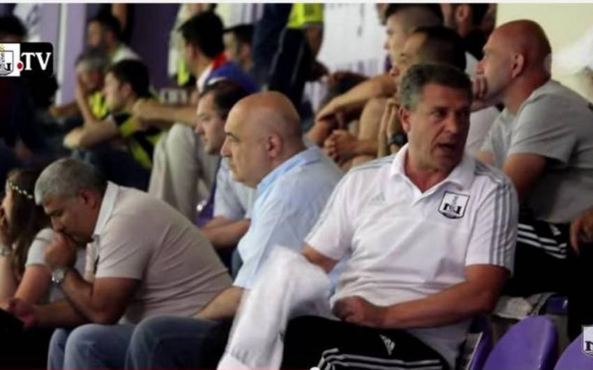 Neftçi komandası Çingiz Abdullayevin rəhbərliyi altında Fənərbağçanın oyununu izləyib - VİDEO