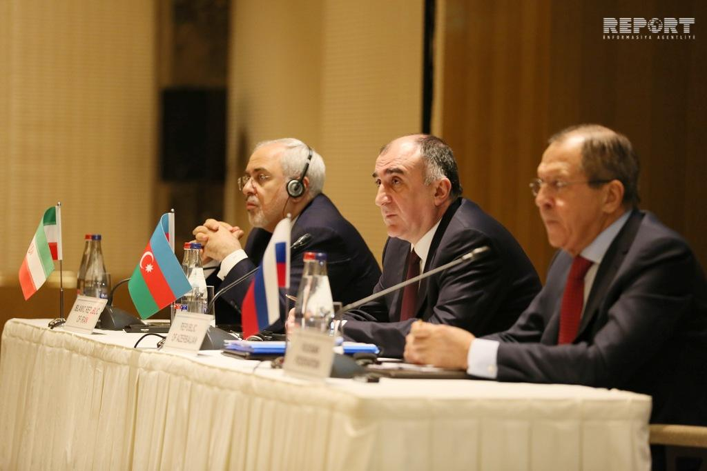 Azerbaijani, Russian and Iran FMs discuss issues of cooperation in Baku