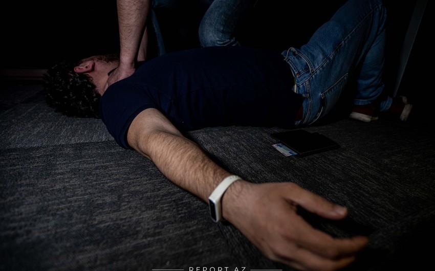 Abşeronda 18 yaşlı gənc qonşusunu boğaraq öldürüb