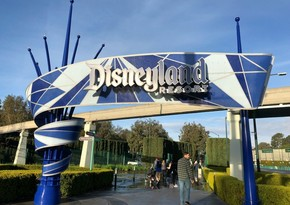 Disney shuts down its stores due to coronavirus