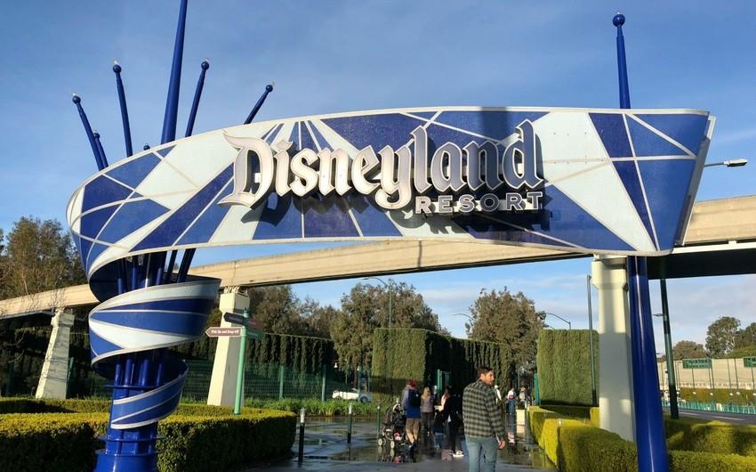 Компания Disney закрывает свои объекты из-за коронавируса