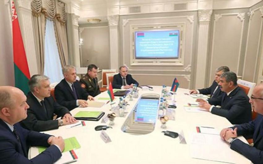 Azərbaycanın müdafiə naziri Belarus Təhlükəsizlik Şurasının dövlət katibi ilə görüşüb
