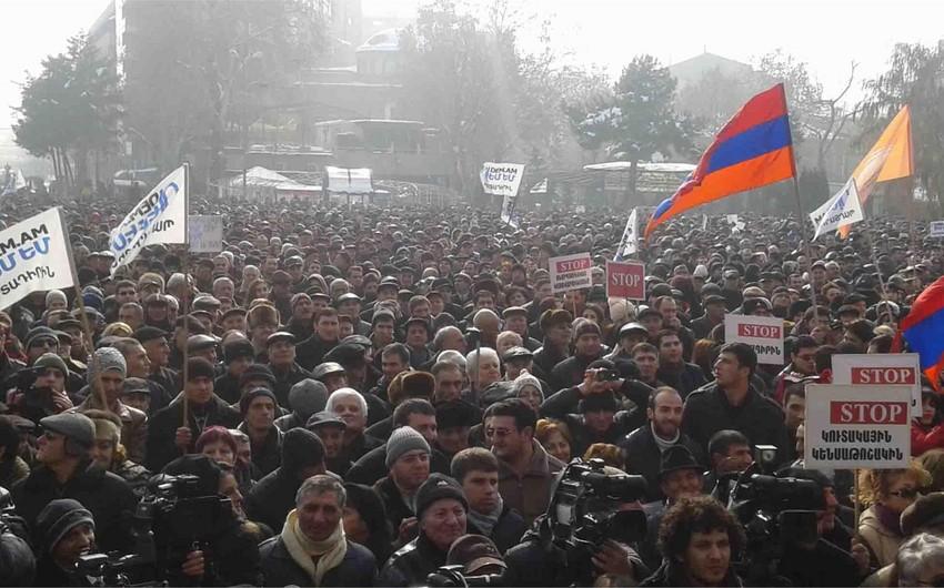 Vitse-spiker: Ermənistandakı siyasi mübarizələr Sarqsyan rejiminə qarşı etirazların olduğunu göstərir