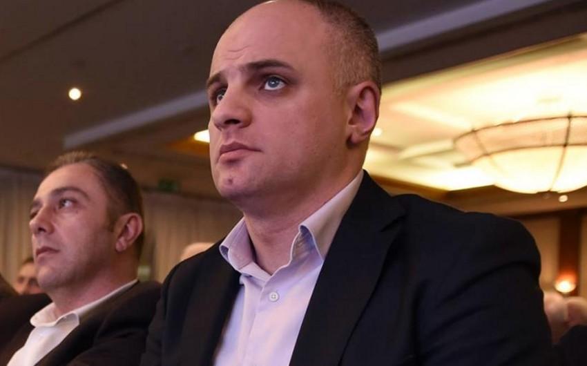 Neftçiyə uduzduqdan sonra fanatla dalaşan Dinamo rəsmisi kim idi?
