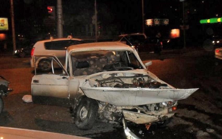 Biləsuvarda iki Jiquli toqquşub, 2 nəfər yaralanıb