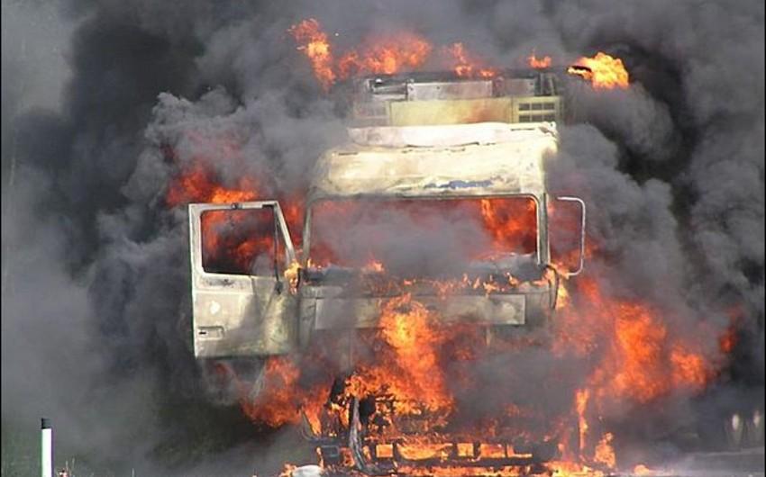 Suraxanı rayonunda yük avtomobili yanıb
