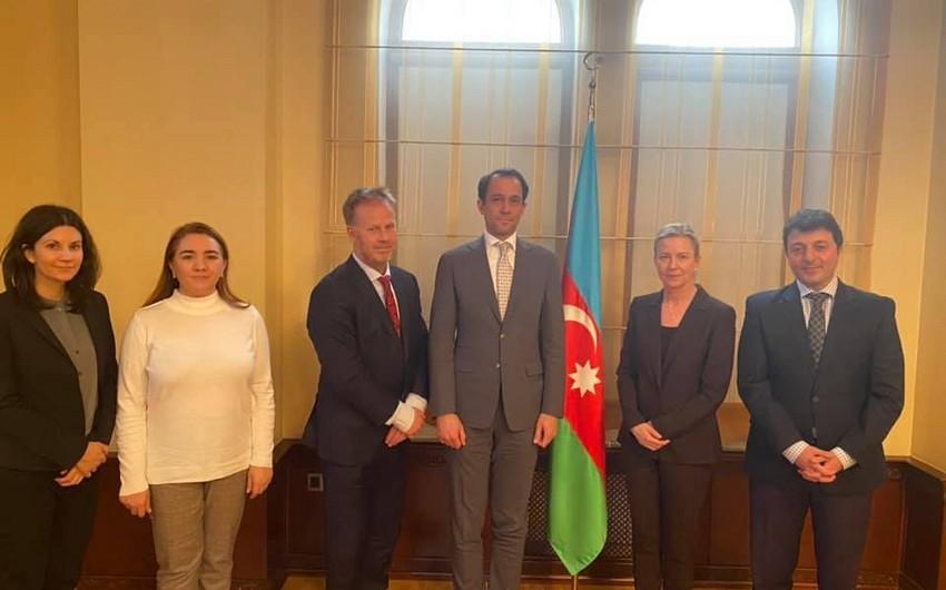 Турал Гянджалиев рассказал шведским дипломатам об армянской оккупации