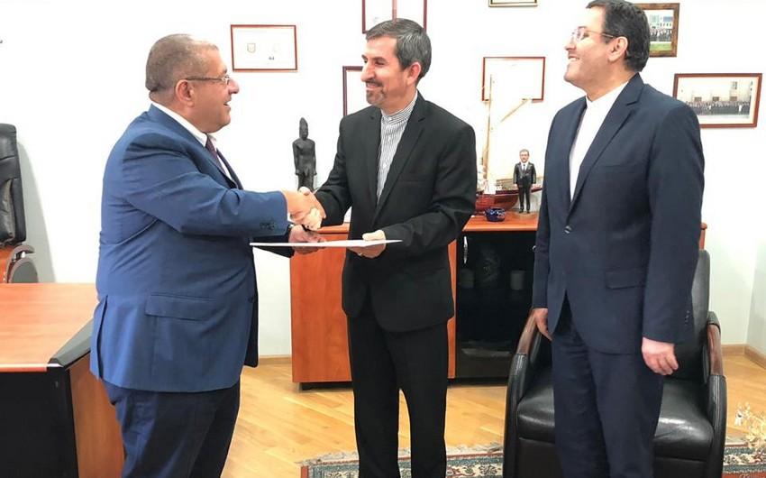 İranın Naxçıvana yeni təyin olunan baş konsulu sənədlərini XİN-ə təqdim edib