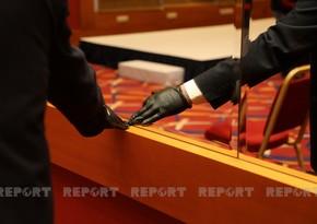 TABIB: Workers should practice good hand hygiene instead of wearing gloves