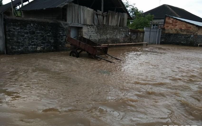 Güclü yağış Şamaxı və Qobustanda fəsadlara səbəb olub