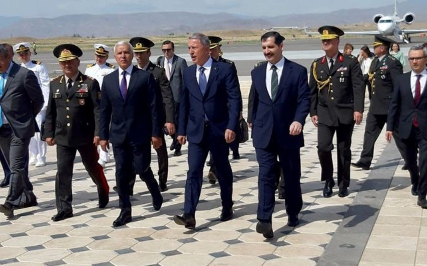 Minister of National Defense of Turkey embarks on a visit to Nakhchivan