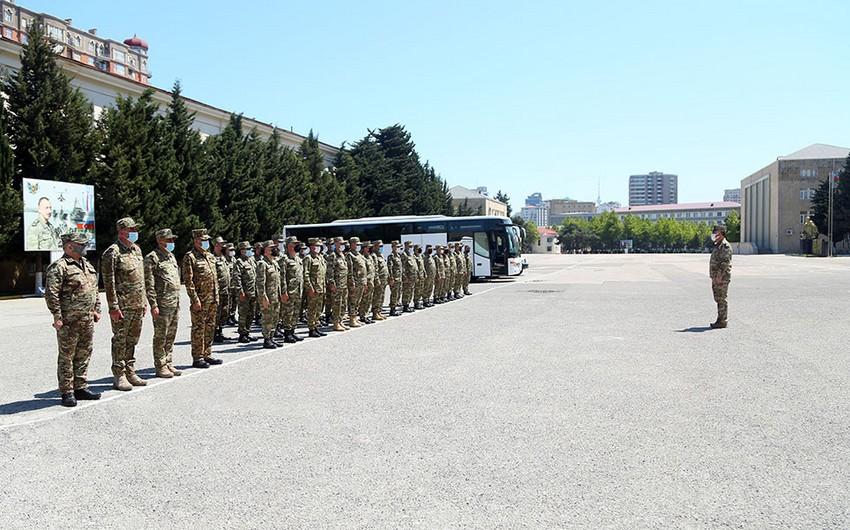 Личный состав и военная техника Азербайджанской армии выехали в район учений