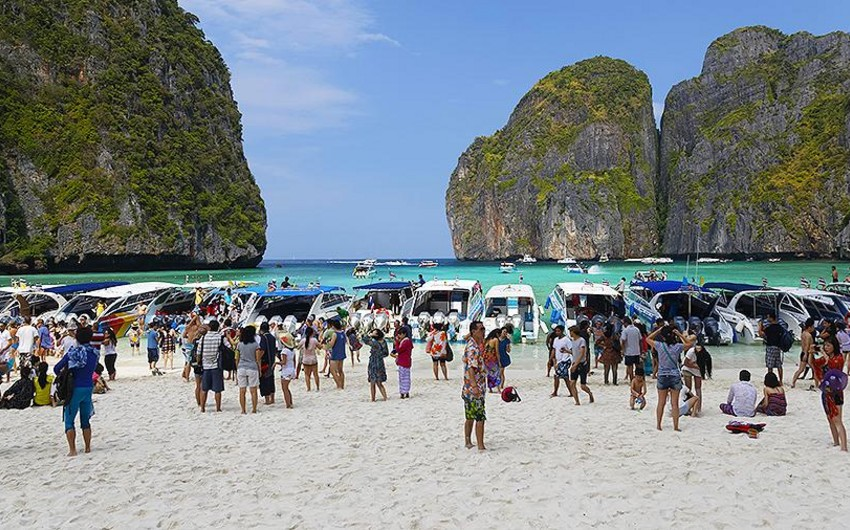 Three Thai islands reopen to vaccinated travelers