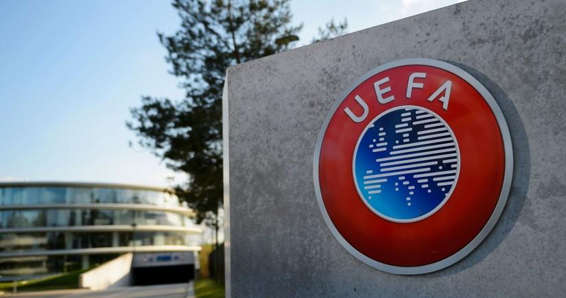 УЕФА наказал Футбольную ассоциацию Англии