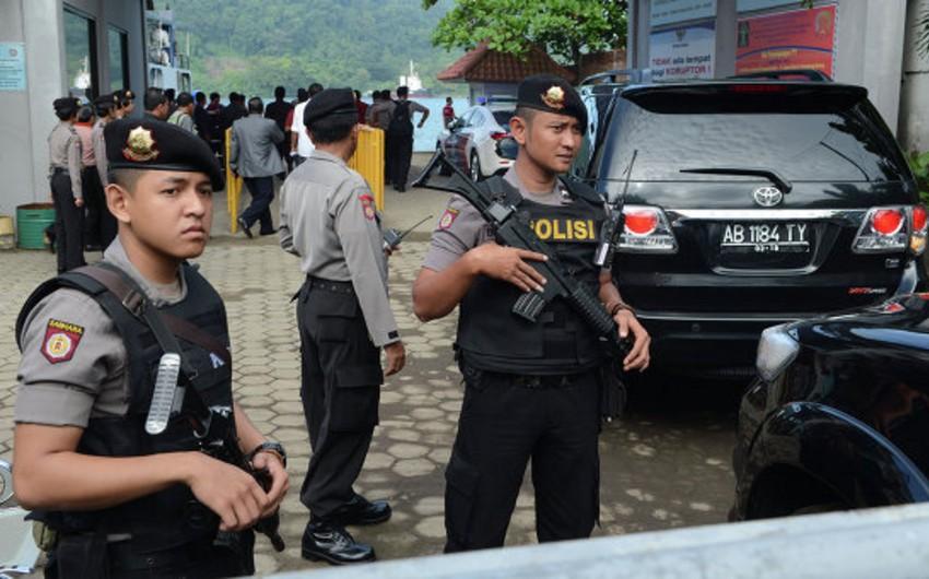 Полиция: Нападение в Джакарте совершили 14 боевиков, в том числе смертники