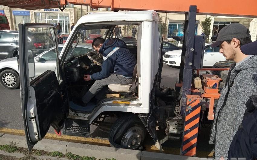 Bakıda sərnişin avtobusu qəza törədib  - FOTO