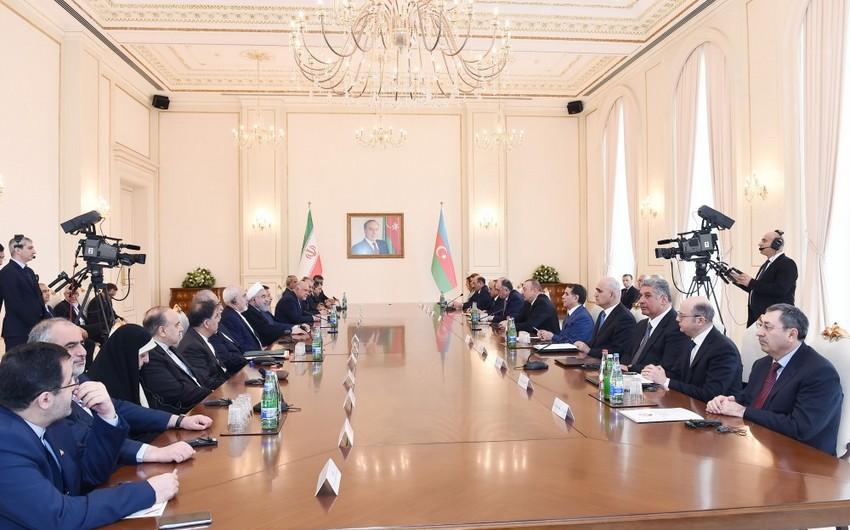 Состоялась встреча президентов Азербайджана и Ирана в расширенном составе