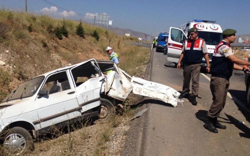 AKP-dən olan deputatın törətdiyi qəzada iki nəfər ölüb, 4-ü yaralanıb