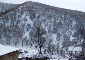 Высота волн на Каспии достигла 2,8 метра, в регионах выпал снег