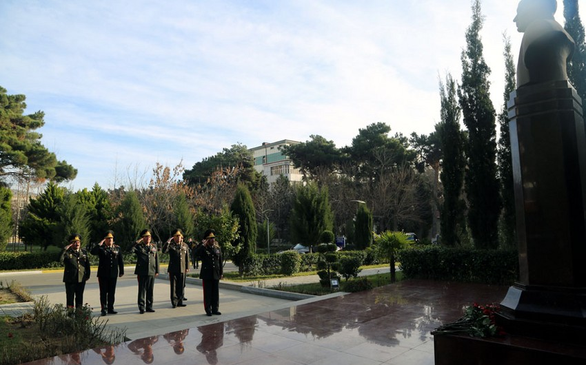 Azerbaijani defense minister visits military medical institutions