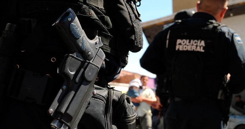 Meksikada insan oğruları ilə polis arasında atışma olub, ölənlər var