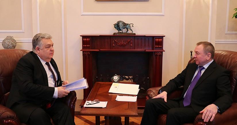 Belarus FM, Azerbaijani ambassador moot development of bilateral ties
