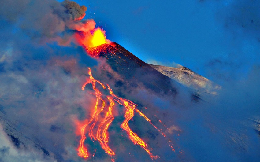 Etna volcano wakes up in Italy