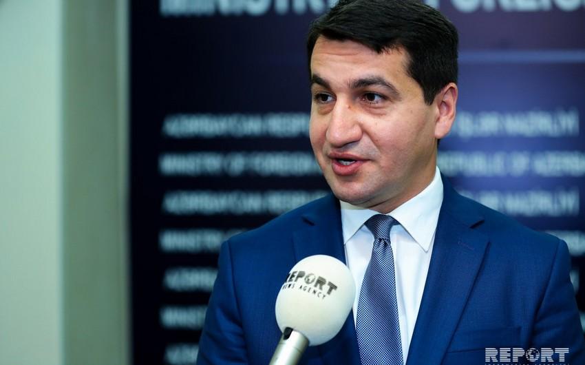 Hikmət Hacıyev: Ermənistan tərəfinin müəyyən iddiaları danışıqlar prosesinə xələl yetirir
